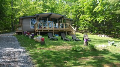 All inclusive Muskoka 3 bedroom Lake Front cottage family friendly sandy beach