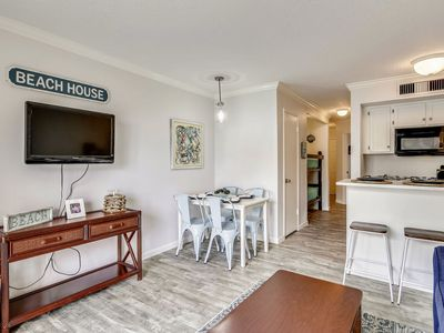 Victorian 7105 - Sand Dollar, renovated in 2019, beach view & community pool!