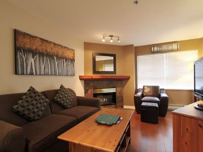 Marketplace Lodge #328  Deluxe 1 Bedroom with Kitchen and Fireplace