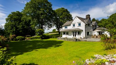 Photo for Garth Cottage - Four Bedroom House, Sleeps 8