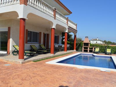 Photo for Large house with pool, barbecue, garden, wifi at 1500 meters of sandy beach