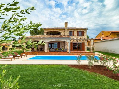 Photo for Charming stone-house villa with pool near Porec