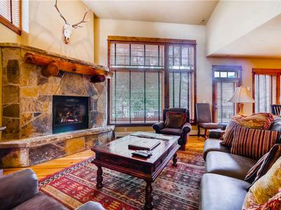 Photo for Spacious townhome with a community pool, hot tubs and fitness center