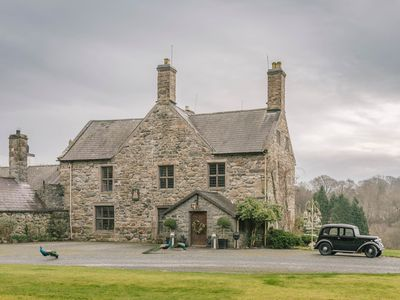 Photo for TALHENBONT HALL, pet friendly in Criccieth, Ref 936824
