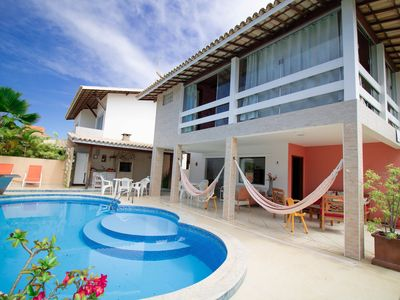 Photo for GB06 Excellent House 6/4, 5 Suites 200m from the Beach, Guarajuba