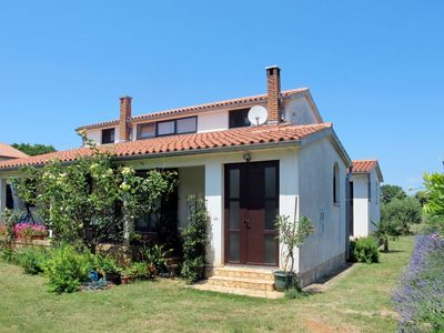 Photo for Vacation home Marta (PUL456) in Pula - 4 persons, 2 bedrooms