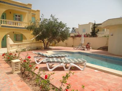 Photo for djerbienne villa with swimming pool and beach area tourisque