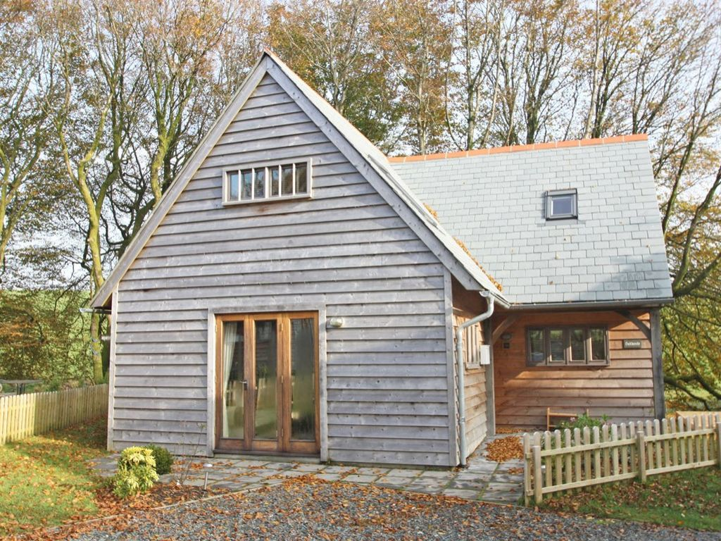 OAKLANDS Pet Friendly In Camelford Ref 959599
