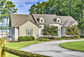 Photo for 5BR House Vacation Rental in Scottsboro, Alabama
