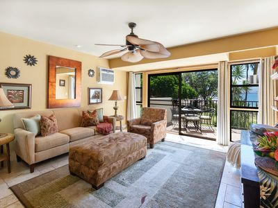 Photo for Maui 5 STAR REVIEWS A/C in Master , Right On The Sandy Beach!*Makani A Kai B8*