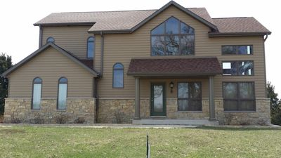 Huge Luxury Pet Friendly Home, Pool Table, Fire Pit, Awesome Baths, Cable/Wifi