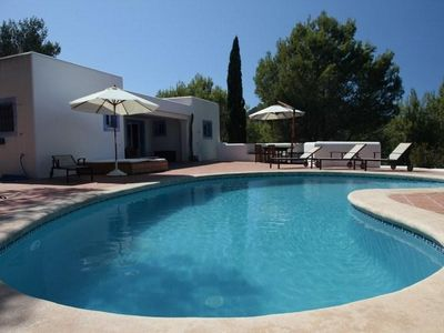 Photo for 6 bedroom Villa, sleeps 10 with Pool and FREE WiFi