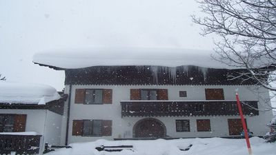 Photo for Quiet 1st floor flat 1st slope right outside, 200 yards from the nursery slopes
