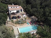 Beautiful villa with stunning views. Accommodation was first class.secluded yet close to village