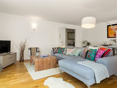 Photo for Contemporary 2Bed 2Bath Apt in Central London