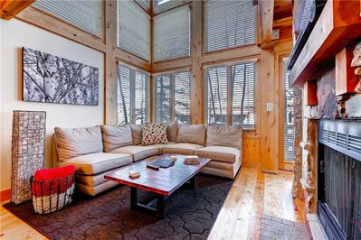 Relaxing living room - Park City Lodging-Portico 7