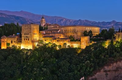 This is not our property! It's Alhambra at night. Keep going...