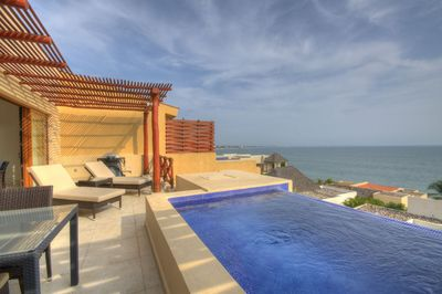 Feast yourself on this lovely beachfront villa. See www.royalclubrealestate.com