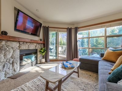Photo for ❄︎Chic Ski in/out Suite at The Aspens - 1 BR❄︎