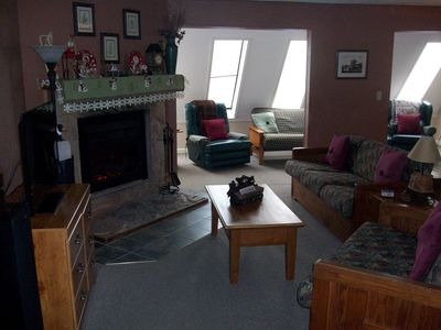 Photo for Leatherbark 2 BR Condo, Sleeps 8, Comfy, and Convenient.