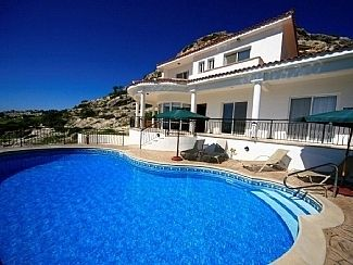 FAB SEA VIEWS.!! Large 10m x 5m  pool with Roman steps. Pool gets SUN all day!