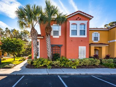 Photo for Beautiful 4 bedroom townhome in Emeral Island Resort minutes from Disney!