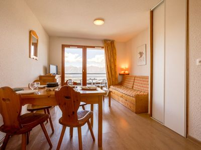 Photo for One bedroom Apartment, sleeps 4 in Le Cruet with Pool