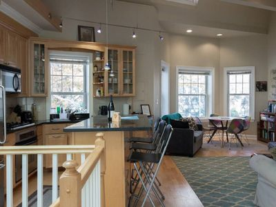 Photo for Fabulous Rowhouse in Hot Area (3 blocks to Convention Ctr; Walk everywhere)