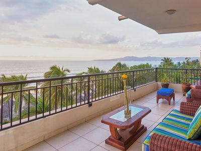 Photo for Hear the waves! Beachfront condo with large terrace . Playa Royale.