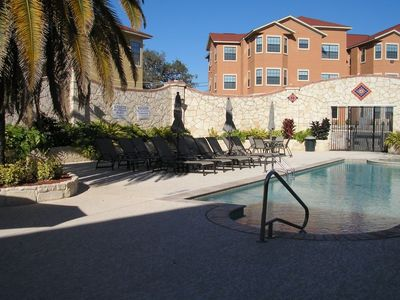 Photo for Beautiful 2 Bedroom Villa at Eckhert Place!