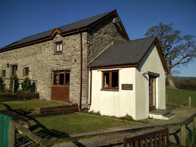 Photo for Fantastic couples escape to the country. Quiet, rural location, pet friendly.