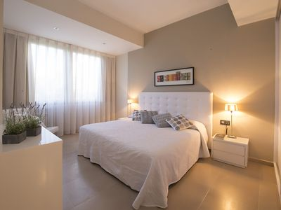 Photo for DELUXE apartment with beautiful views of Plaza de España