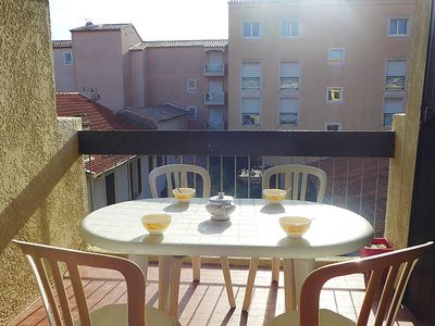 Photo for One bedroom Apartment, sleeps 4 in Saint-Aygulf with WiFi