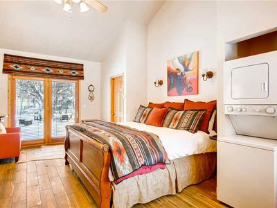 Photo for Centrally Located on Park Ave | Free Wi-fi l Parking | Washer/Dryer | Private Hot Tub