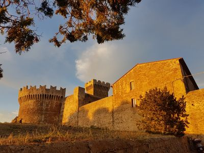 Photo for Limonaia with private garden in the ancient village of Populonia