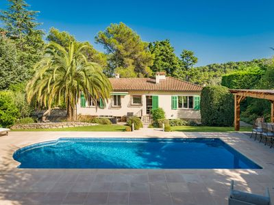 Photo for Villa with pool and all amenities 20 minutes from Nice airport