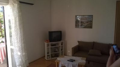 Photo for One bedroom apartment with balcony and sea view Barbat, Rab (A-17620-b)