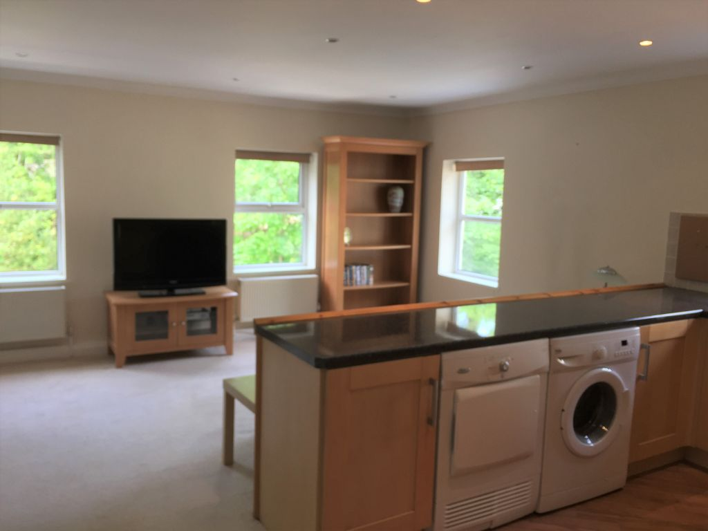 Bright & Spacious 1st floor 1 Bedroom Apartment in Heart of Laxey Village  Photo 1