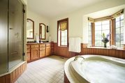 Tremblant Manor - 9 bdr home with indoor pool in the village