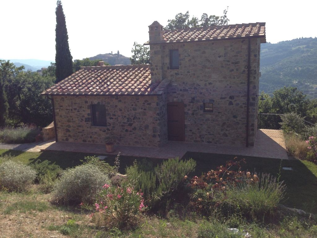 Spazzavento guest house seggiano tuscany rentbyowner for Tuscan view guest house