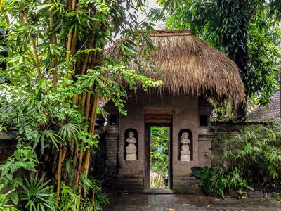 Photo for Secret Tropical Hideaway - Only 5 Min Walk to Central Ubud