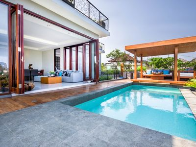Photo for Villa Elmina- Luxury Ocean View & 15 min drive to temple!*Renovated in 2015*