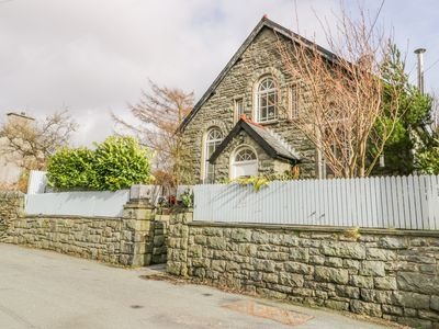 Photo for HOREB CHAPEL HOUSE, pet friendly in Tanygrisiau, Ref 1002370