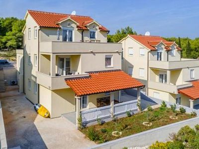 Photo for Apartments, Milna-Osibova  in Brac - 6 persons, 2 bedrooms