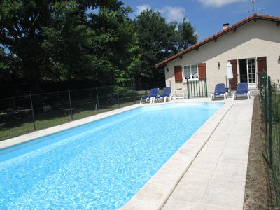 Photo for PRIVATE house / pool / garden, WIFI, L'Océan its beautiful beaches 2 steps