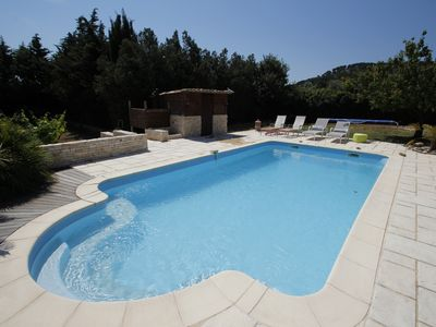 Photo for Villa in the countryside near the sea, pool, around Sausset les Pins