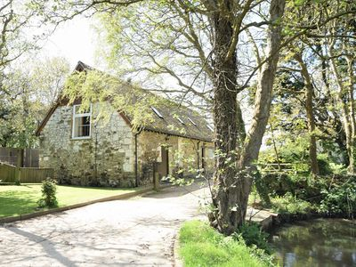 Photo for Spacious 18th century barn conversion rural Yafford, Isle of Wight, dog friendly