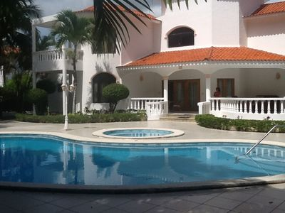 Photo for Guest-friendly 3-Bedroom Villa with Private Pool, Steps from the Beach
