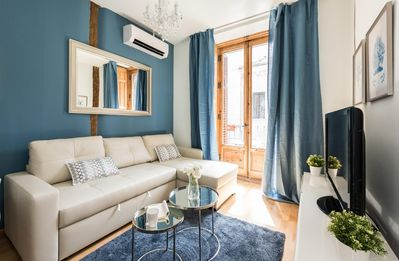 Photo for El Pez apartment in Gran Via with WiFi, air conditioning & balcony.
