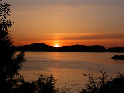 Photo for 1BR Cottage Vacation Rental in Pender Island, BC